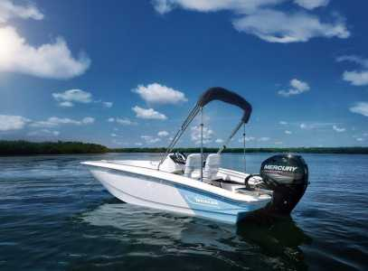2021 Boston Whaler 130 Super Sport Power Center Console